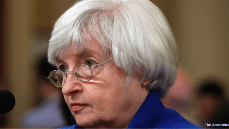 Yellen Asks Congress for Pro-Growth Policies, Ducks Question on Taxes