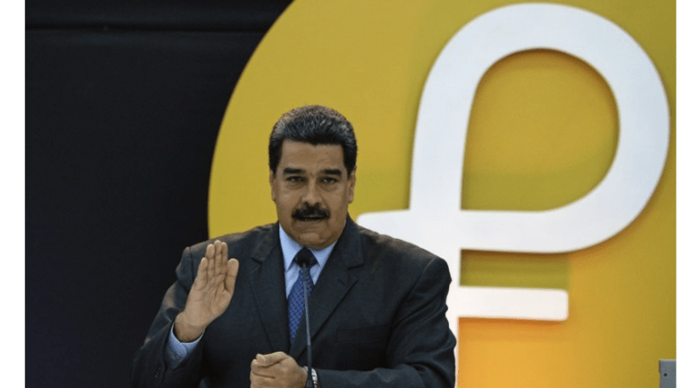 """Facing Inflation of 5600% Venezuela Launches """"Petro"""" Cryptocurrency"""